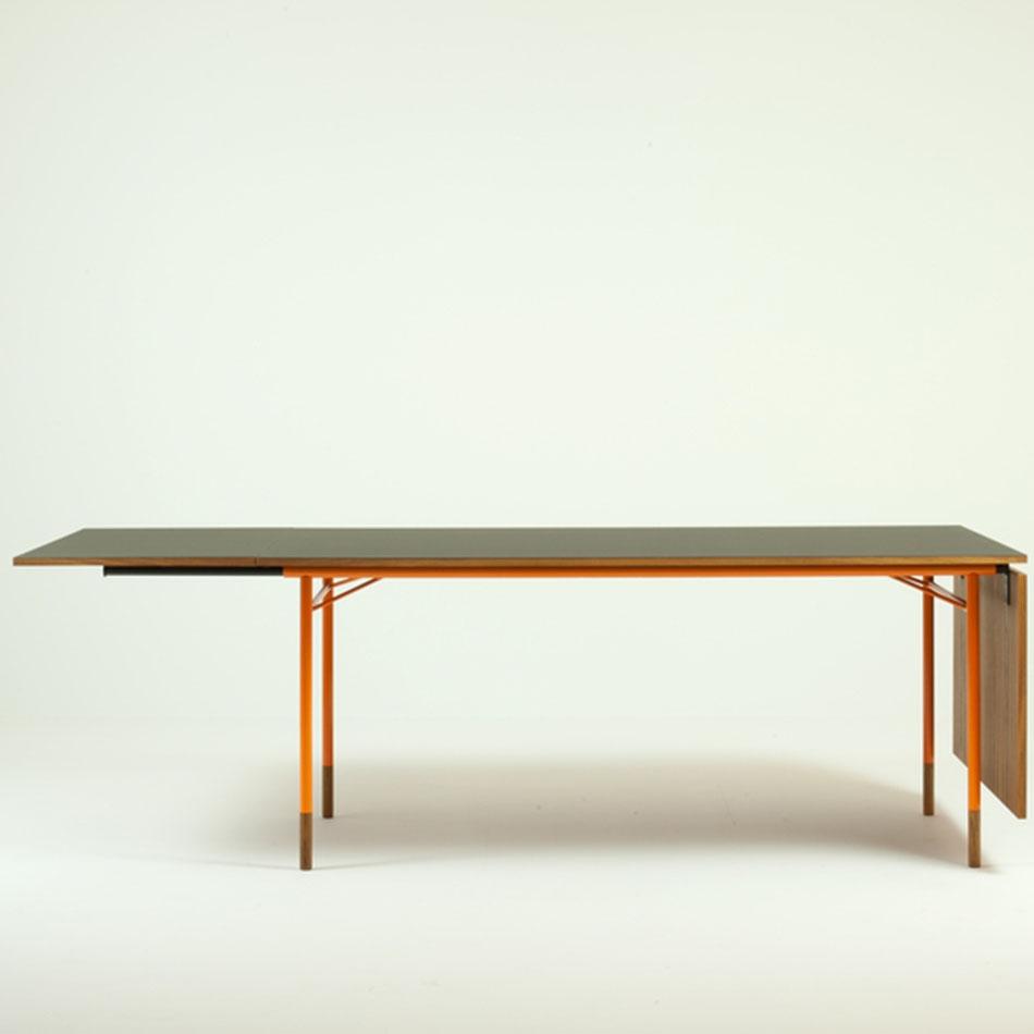 Nyhavn Dining Table  新港餐桌